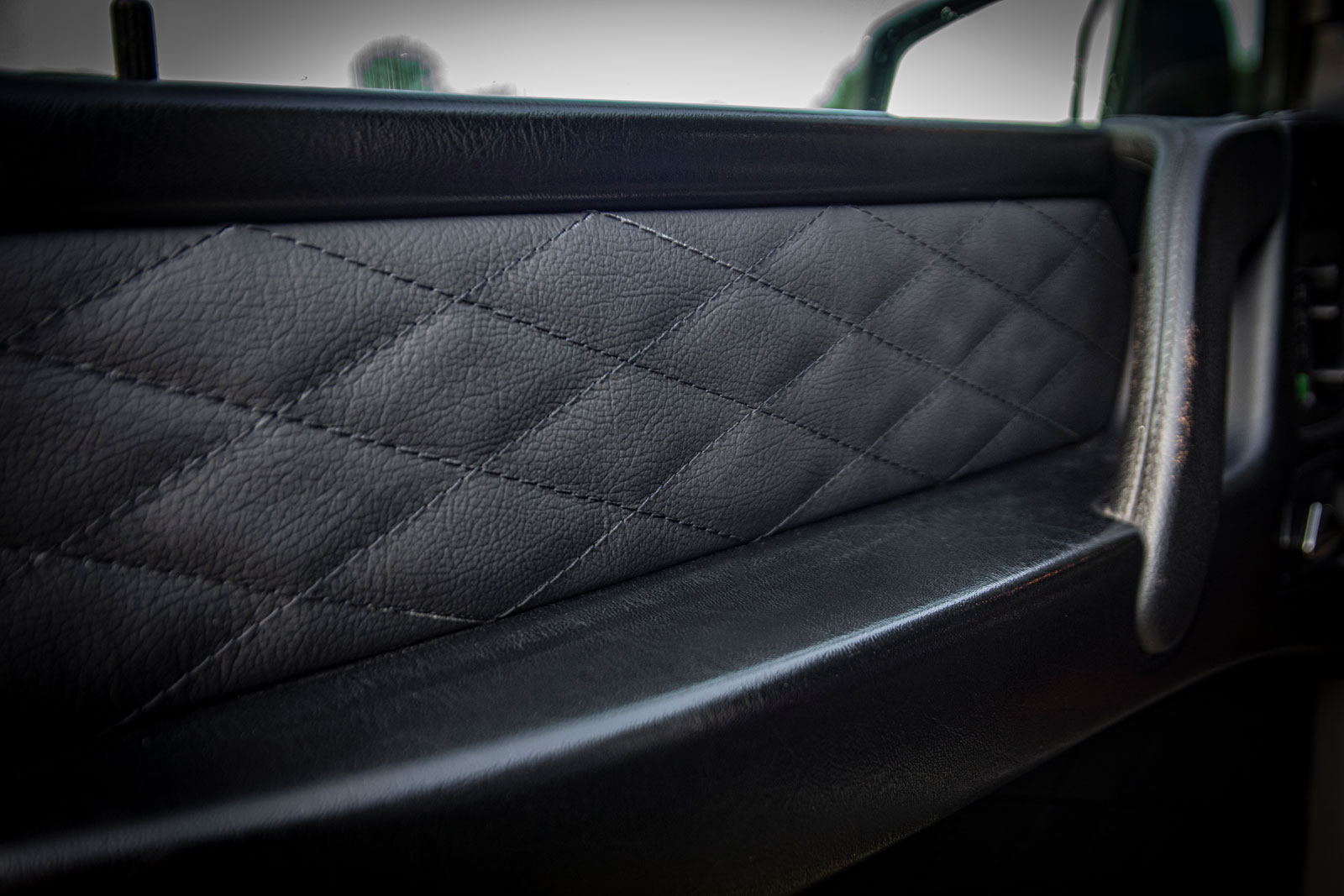 KM Lederdesign • Mercedes-G-63-AMG • Autositze beziehen polstern • Sattlerei